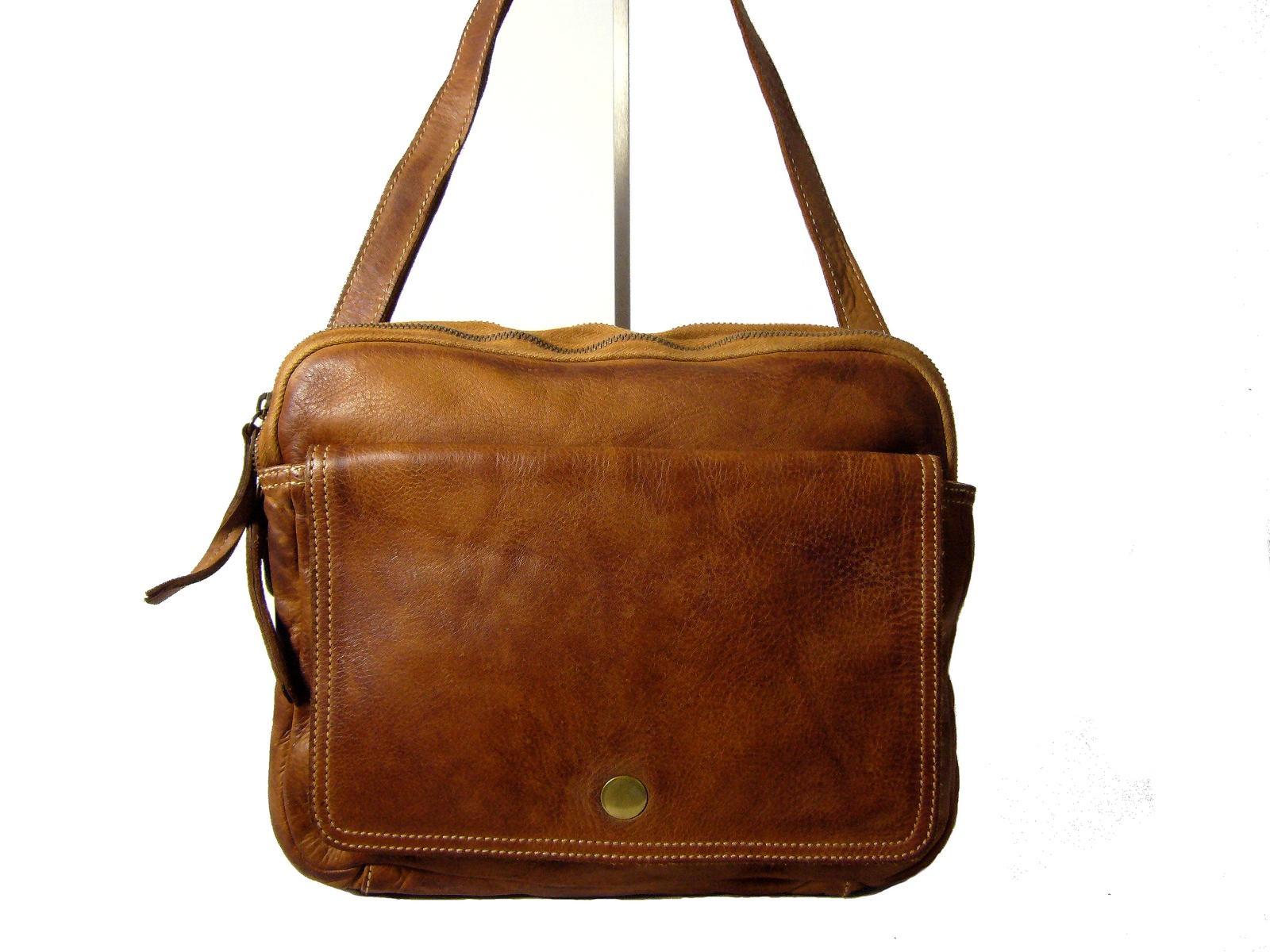 33963f1639 Sac bandoulière femme cuir vintage naturel Sandric-Collection Esprit ...