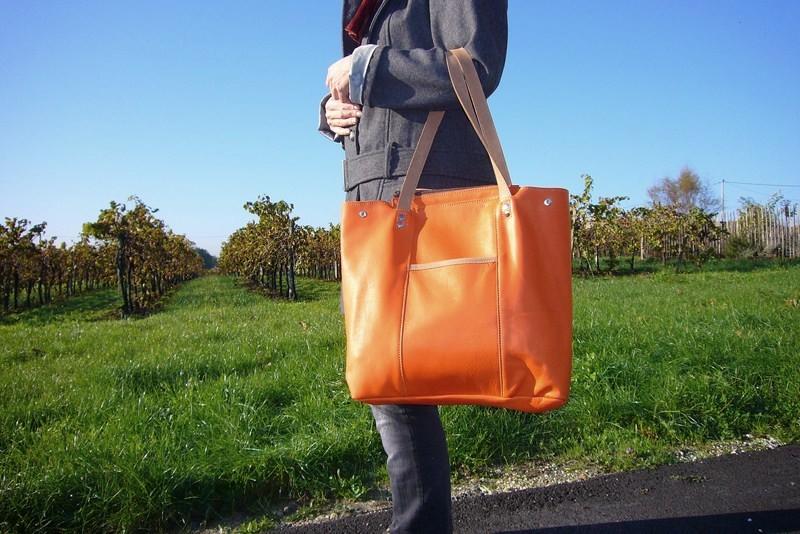 254fb9c94c Le cabas cuir: Un sac de femme qui défie les modes!